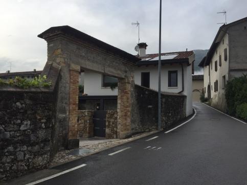 Portone storico restaurato _ Casa DGT